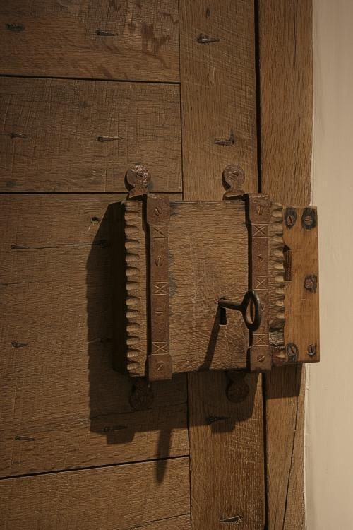 Old Oak Door Lock Box